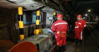铜川矿业玉华煤矿超前谋划首个智能化工作面设备设备安装工作